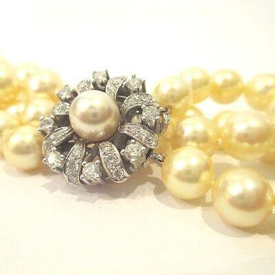 Zweireihige Akoyazuchtperlenkette mit Schließe aus 750 Weißgold und 32 Brill. zus. ca. 1,2 ct TW/vvs