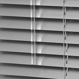 Vertical and Roller Blinds Made to mesure