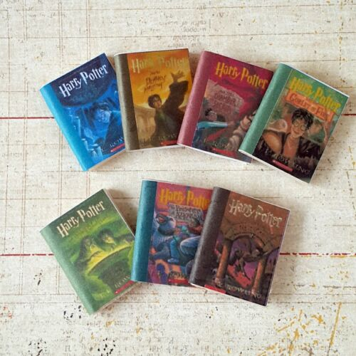 7x HOGWARTS TEXTBOOKS Dollhouse Miniature Prop Wooden Books HARRY POTTER 1:12