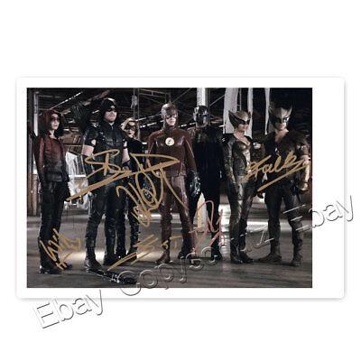 Arrow / Flash - Stephen Amell, Grant Gustin,  W. Holland, K. Cassidy, D. Ramsey