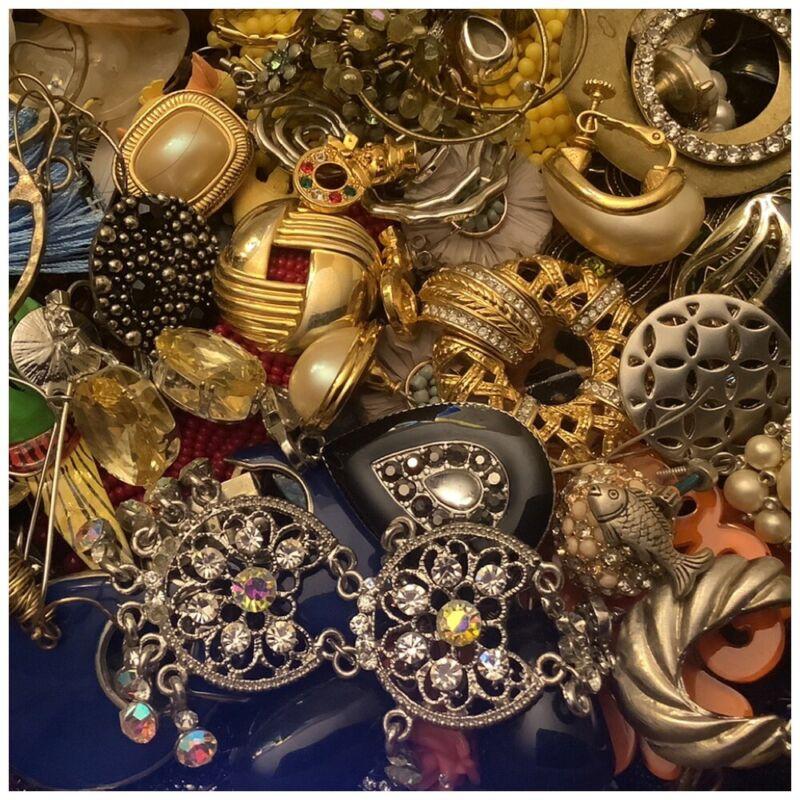 Vintage To Now Jewelry Lot -Single Earrings- 2 Lbs