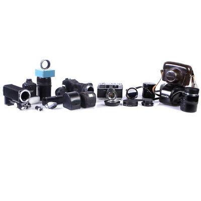 Lot of Minolta Manual Focus 35mm Camera / Camera Accessories - (AI)