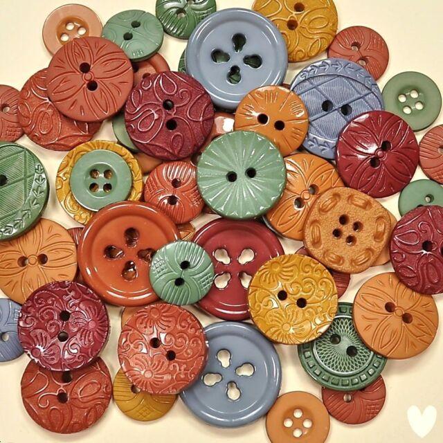 DRESS IT UP Buttons Colour Me Country 76 - Embellishments Primitive