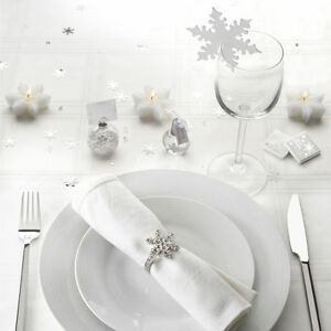 Shimmering-Snowflake-Winter-Wedding-Table-Decorations