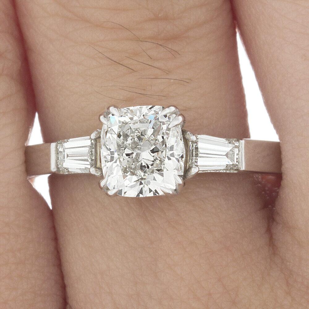 GIA Certified 2.00 carat Cushion Cut Diamond Engagement 3 Stone Ring 18k Gold