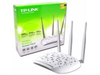 TP-LINK 450mbs Wireless access point, with POE injector.