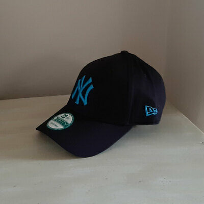 New York Yankees 9FORTY Strapback Baseball Cap