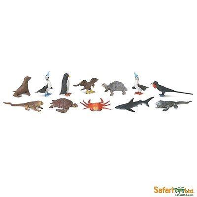 Galapagos Hawk (GALAPAGOS by Safari Ltd/681704/seal/turtle/crab/shark/hawk/TOY )