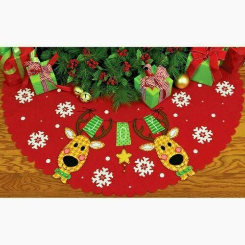 Embroidery Felt Applique Kit  REINDEER JOY Christmas Tree Skirt Dimensions