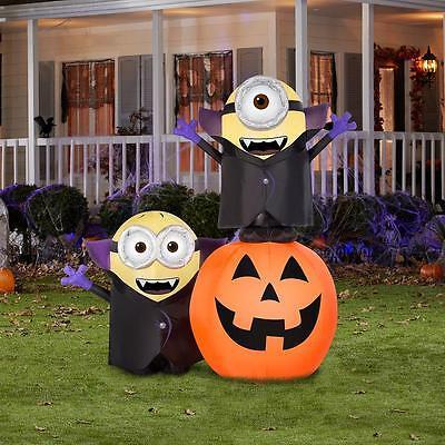 Minions Gone Batty Pumpkin Scene Gemmy Halloween Airblown Inflatable Yard Prop