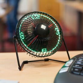 HOME DESK OFFICE LED CLOCK FAN LOOK 360 DEGREE PIVOTING HEAD *COOL* TOP GADGET.*