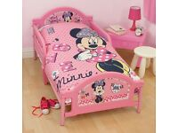 Minnie Mouse Toddler Bed incl mattress and duvet set. Used a few times but great condition.
