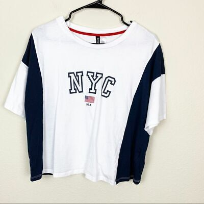 H&M Divided NYC City Graphic Boxy Cropped Tee Retro Short Sleeve Size Large