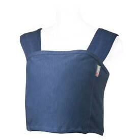 Close Caboo organic dark blue baby sling.