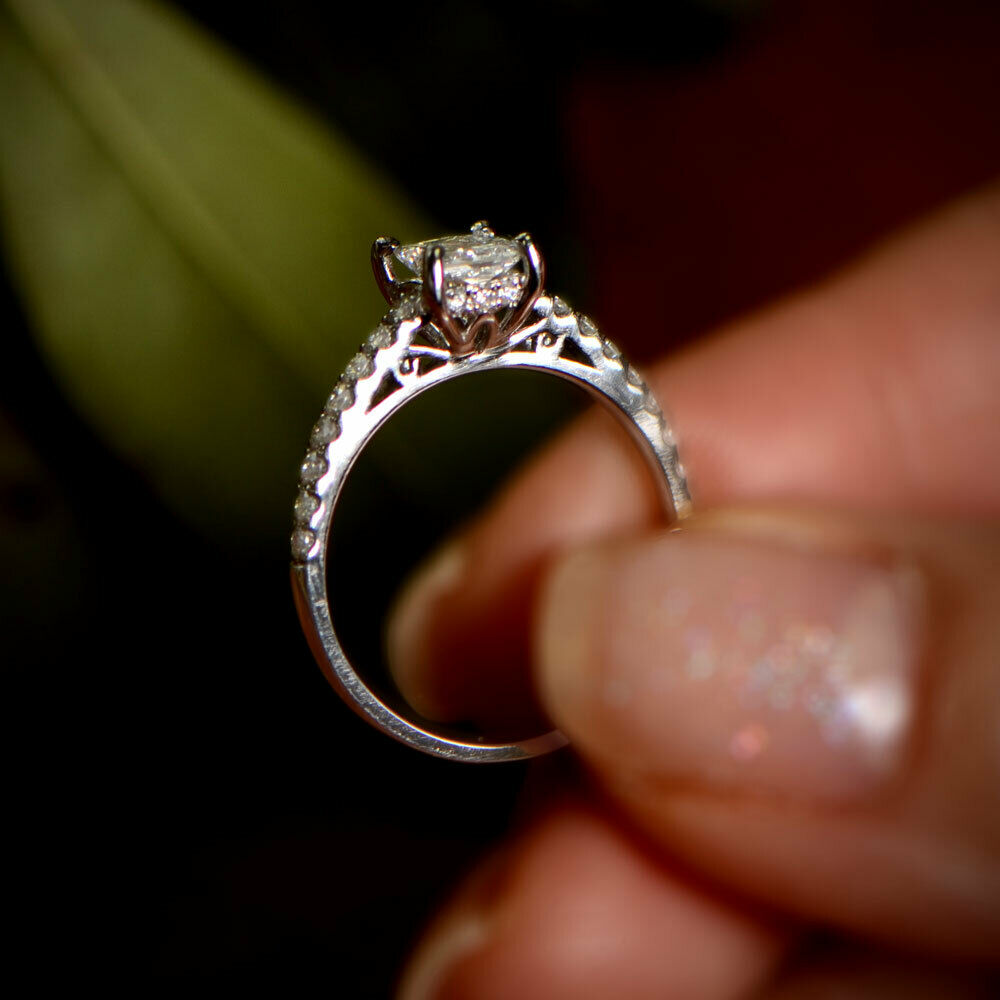 GIA 0.88-carats Princess Cut Engagement Ring with 18K White Gold
