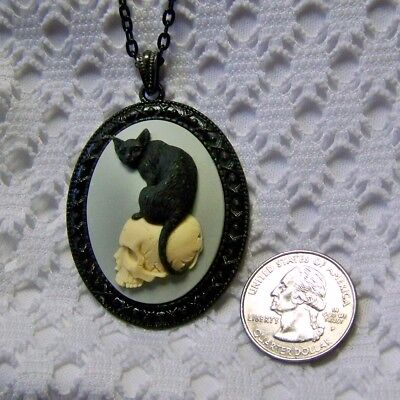 BLACK CAT ON SKULL SKELETON CAMEO NECKLACE, HALLOWEEN WITCH GOTH COSTUME JEWELRY - Black Cat Witch Halloween Costume