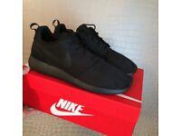 Nike Roshe Run Trainers Triple Black, size UK 5 & boxed - £55