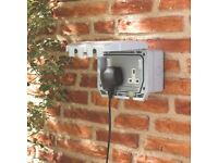 Brand New 13A 2-GANG Outdoor Waterproof Switched Plug Socket IP66 Robust Housing External Garden