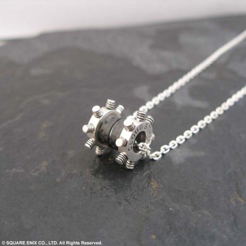 Japan  Final Fantasy VII 7 Silver Pendant CLOUD STRIFE necklace Square Enix