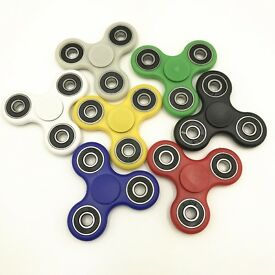 HAND FIDGET SPINNERS(HIGH QUALITY)(£2.50 OR £10.00 for 5)