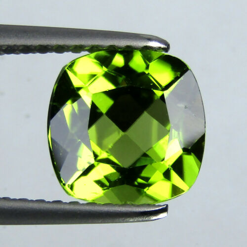 2.35CTS EXCELLENT CUSHION SHAPE NATURAL GREEN PERIDOT 7.9MM LOOSE GEMSTONE VIDEO