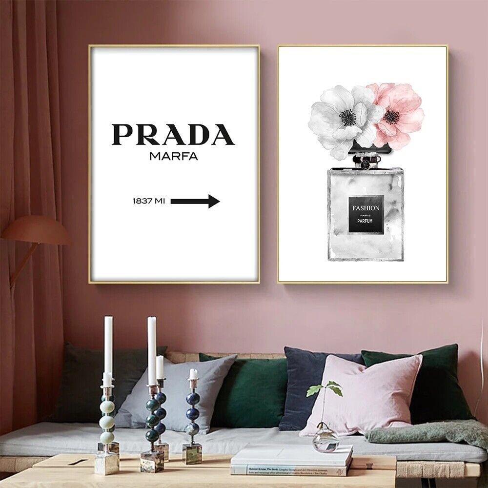 Poster Bild Prada Marfa Wegweiser Schild Fashion Parfüm Mode Dekoration A4 2er