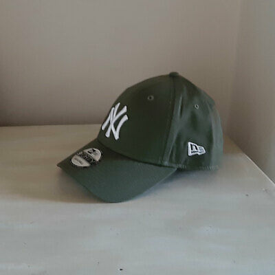 New York Yankees Olive Green 9FORTY Strapback Baseball Cap