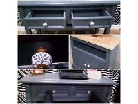 SOLID WOOD LARGE HALL TABLE/DISPLAY TABLE/CONSOLE TABLE 2 STORAGE DRAWERS & MATCHING TV UNIT