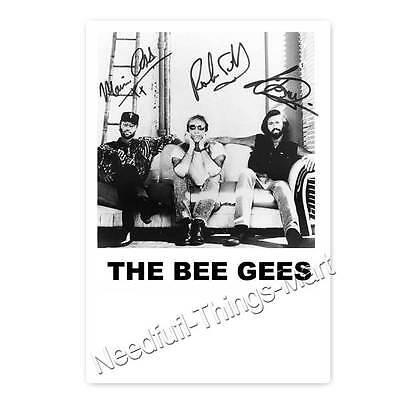 The Bee Gees - Autogrammfotokarte -  3 fach signiert laminiert [A1] 