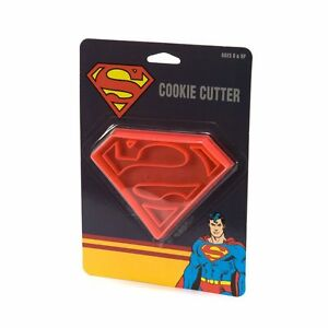 SUPERMAN-LOGO-COOKIE-CUTTER-PLASTIC-SUPER-HERO-BIRTHDAY-PARTY-NEW-COMIC-LICENSED