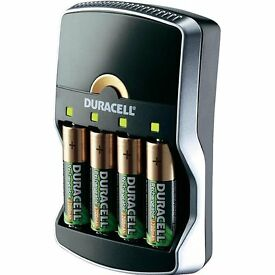 Duracell 15min charger with 4 batteries.