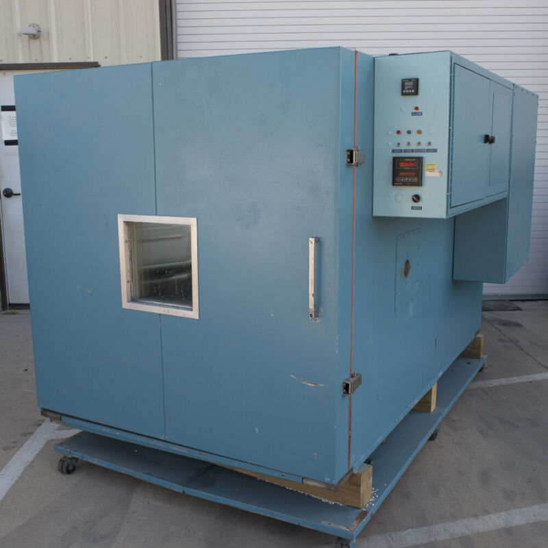 LR Environmental Equipment Testing Chamber LN2 60cf TESTED GOOD
