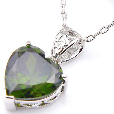 (Unique Gift Love Heart Natural Olive Peridot Solid Silver Woman Necklace Pendant)