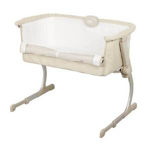 Barely used bedside bassinet: Cosy Time Deluxe Balmain Leichhardt Area Preview