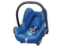 Maxi cosy newborn car seat in this colour blue.