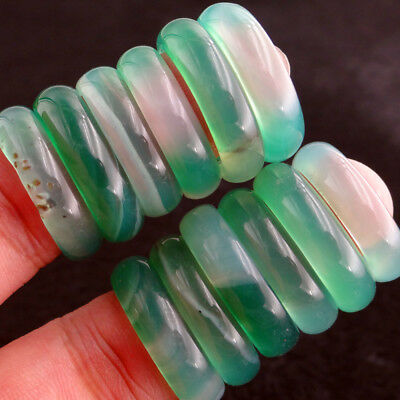 China Natural Stone Light Green Agate Jade Ring Size 6 5 7 8   Diameter 17 18Mm