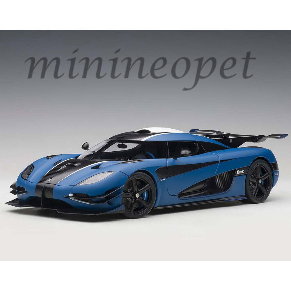AUTOart 79018 KOENIGSEGG ONE:1 1/18 MODEL CAR MATTE IMPERIAL BLUE/CARBON BLACK