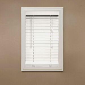 Stores en bois d'imitation neufs / Brand new faux wood blinds