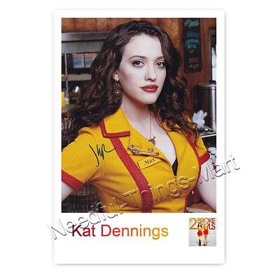 Kat Dennings alias Max Black aus 2 Broke Girls - Autogrammfotokarte [A01] 