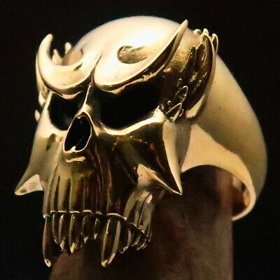 MENS MEDIEVAL WARLORD BIKER RING VAMPIRE SKULL WITH FANGS SIZE 10 - SOLID BRASS