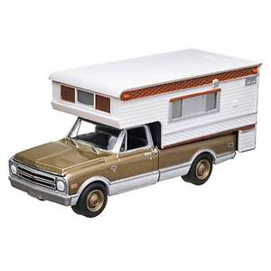 GREENLIGHT-1968-CHEVROLET-C10-CHEYENNE-TRUCK-WITH-CAMPER-HOBBY-EXCLUSIVE-1-64