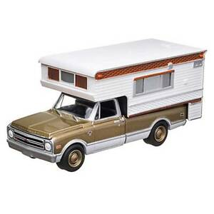 GREENLIGHT 1968 CHEVROLET C10 CHEYENNE TRUCK WITH CAMPER HOBBY EXCLUSIVE 1:64