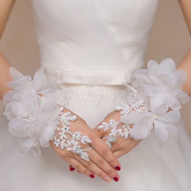 Fashion Luxury Lace Hollow Rhinestone Flowers Bridal Fingerless
