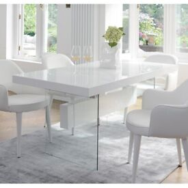 Ex-Display Dwell Sturado Extending 6-8 Seater Dining Table White Gloss