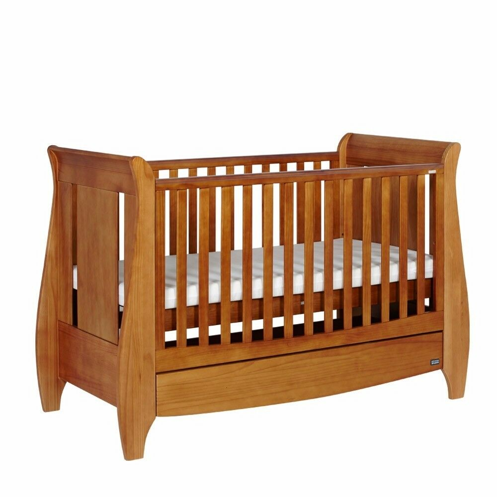 Tutti bambini lucas cot bed good condition RRP: £329