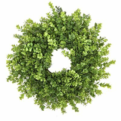 Fake Boxwood Wreath (Fargal 18