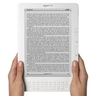 White Kindle DX 9.7 in