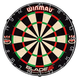 Winmau Blade 5 Bristle Dartboard, BLACK WHITE RED