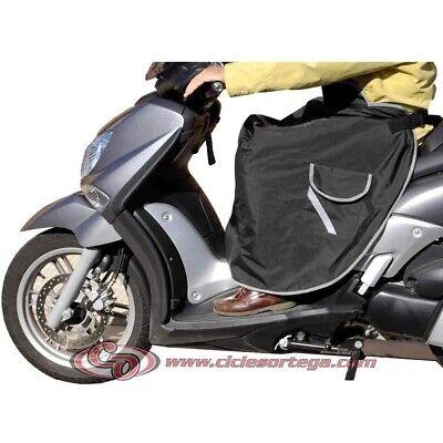 Cubrepiernas manta termica con bolsillo 102002 Universal de KUM