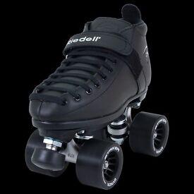 Black Riedell roller skates - quad size 3
